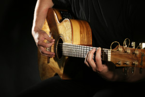 shutterstock_291143048 guitar play pic